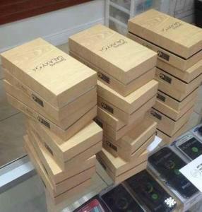 Samsung Galaxy S4 in store